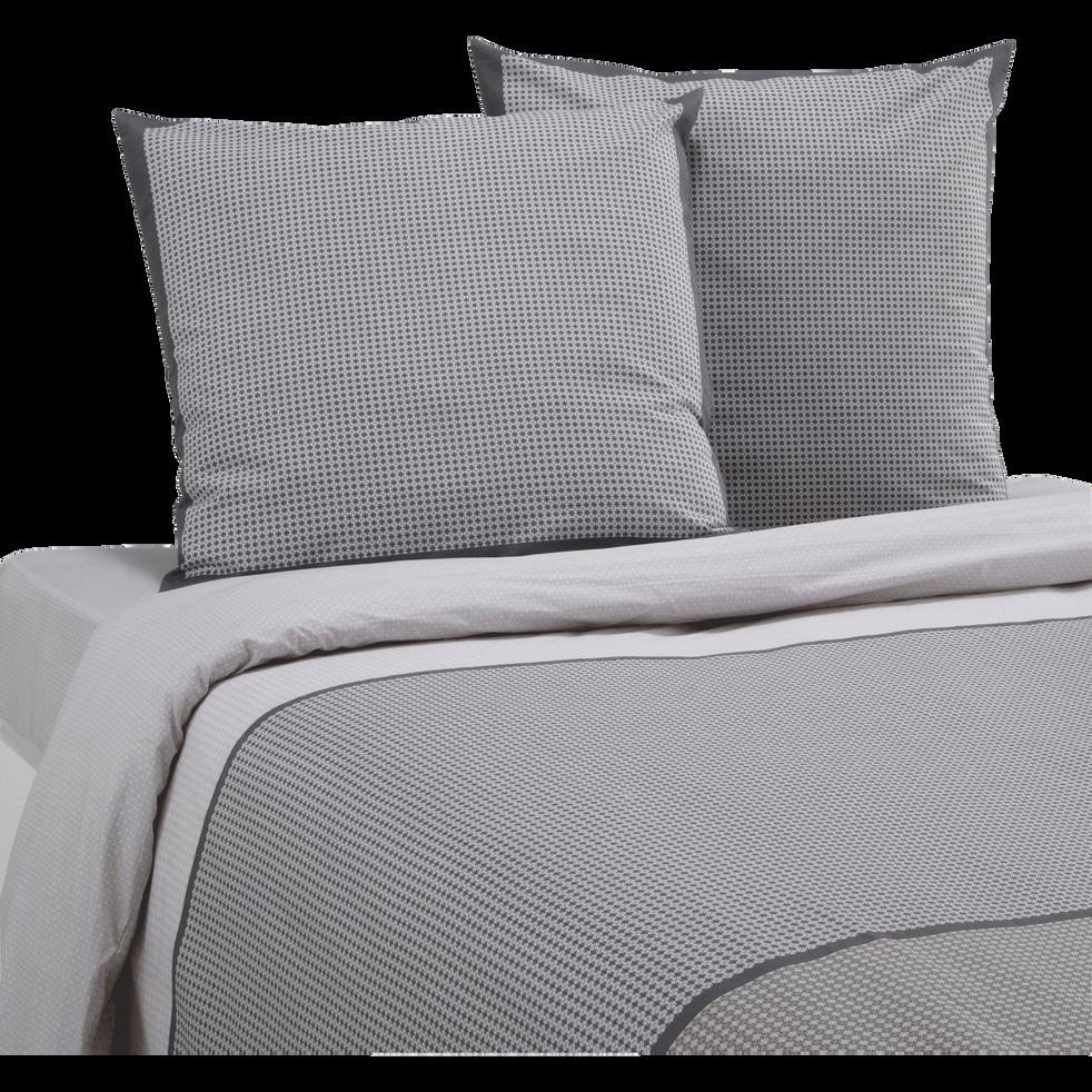 housse de couette 240x220 cm et 2 taies d 39 oreiller tessa 240x220 cm parures de lit alinea. Black Bedroom Furniture Sets. Home Design Ideas