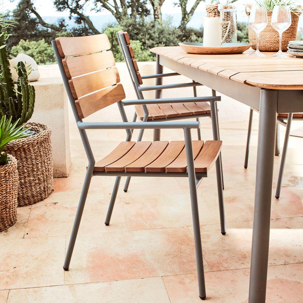 Chaise de jardin empilable en métal et eucalyptus avec accoudoirs-RAMATUELLE