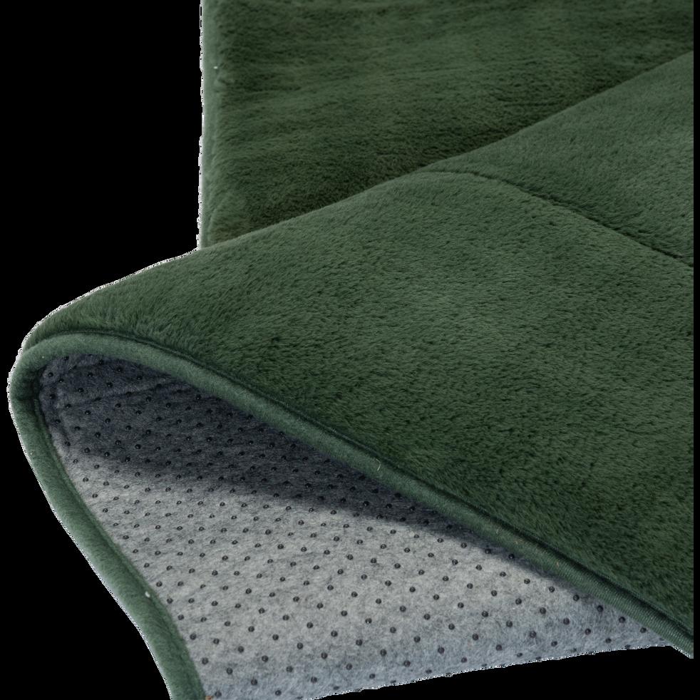 tapis imitation fourrure vert c dre robin 150x200 cm. Black Bedroom Furniture Sets. Home Design Ideas