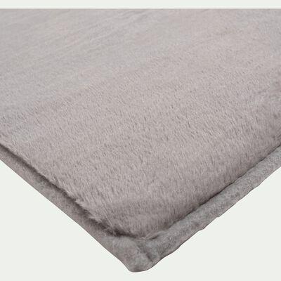 Tapis imitation fourrure gris restanque 100x150cm-ROBIN
