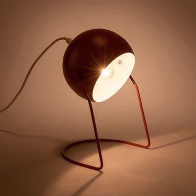 Lampe à poser ronde en métal rouge ricin h26cm-BAOU