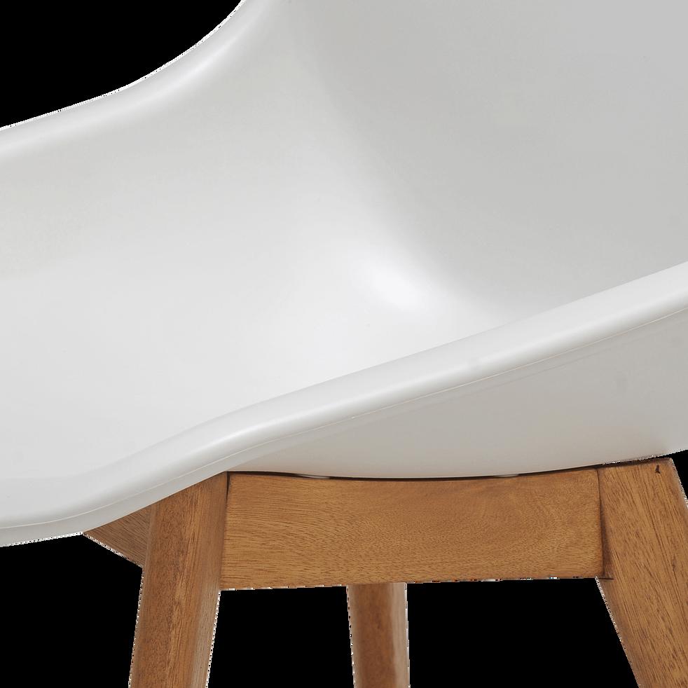 Chaise de jardin blanche en résine et eucalyptus-MONTREUX
