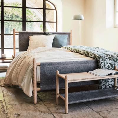 Bout de lit en frêne et feutrine Gris clair-THEOULE