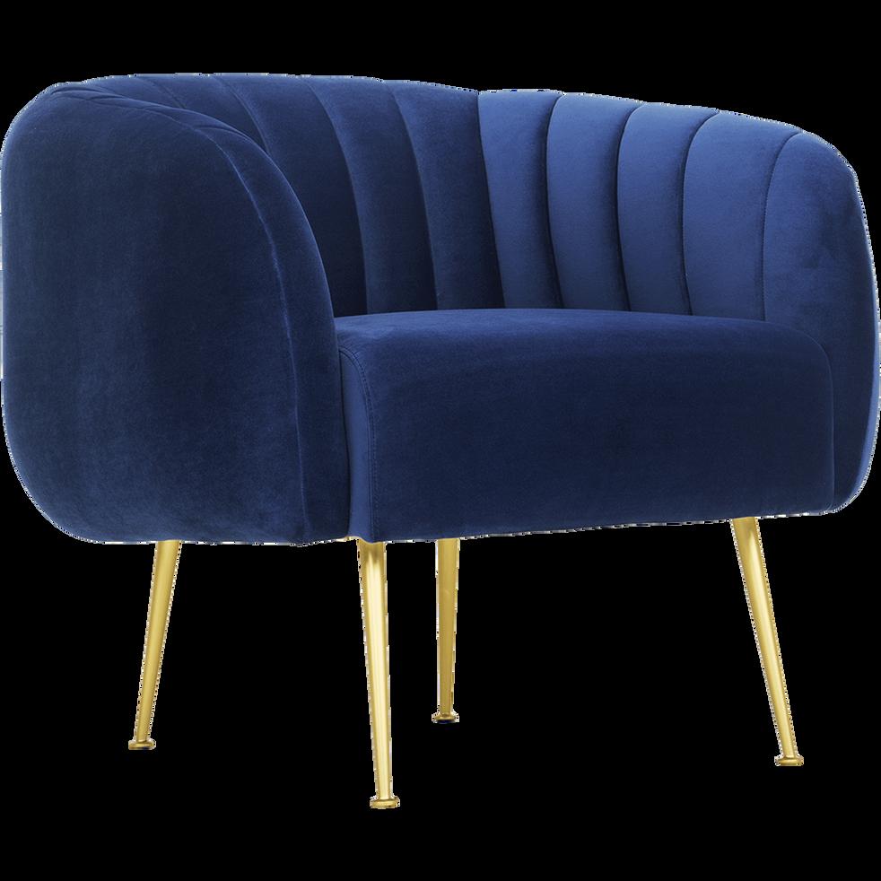 fauteuil en velours bleu myrte alcea fauteuils et poufs alinea. Black Bedroom Furniture Sets. Home Design Ideas