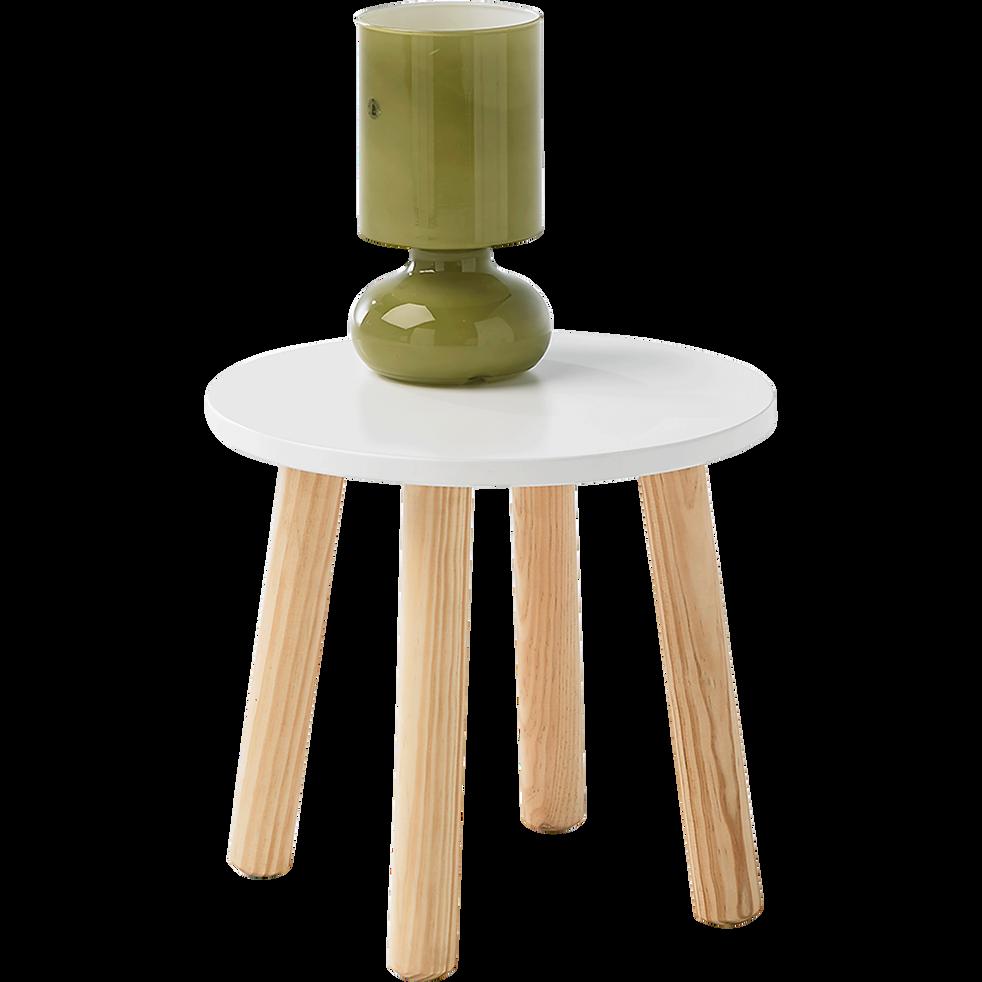 Table de chevet avec pi tement en pin massif blanc toudou tables de chevet enfant alinea for Table de chevet en pin massif