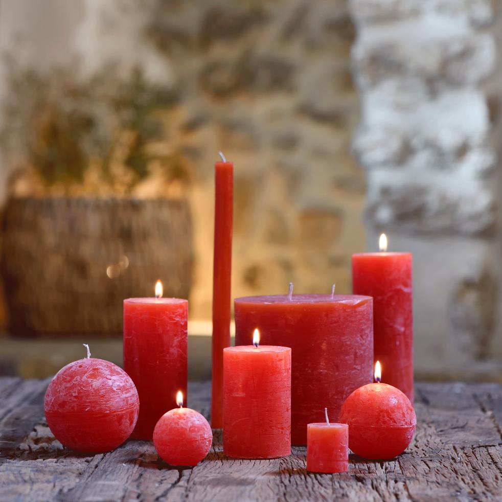 Bougie ronde rouge azérole D8cm-BEJAIA