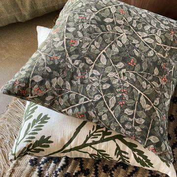 Coussin motif Arbousier en coton - vert 45x45cm-ALBITRU