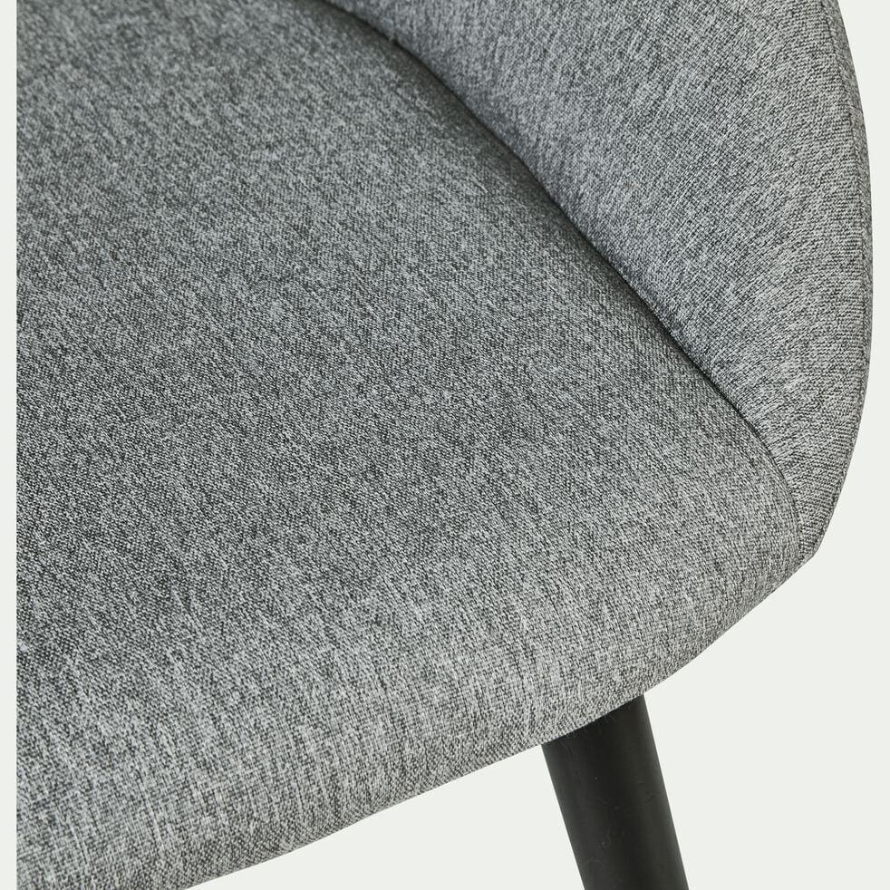 Chaise en tissu gris borie pieds noirs avec accoudoirs-NOELIE