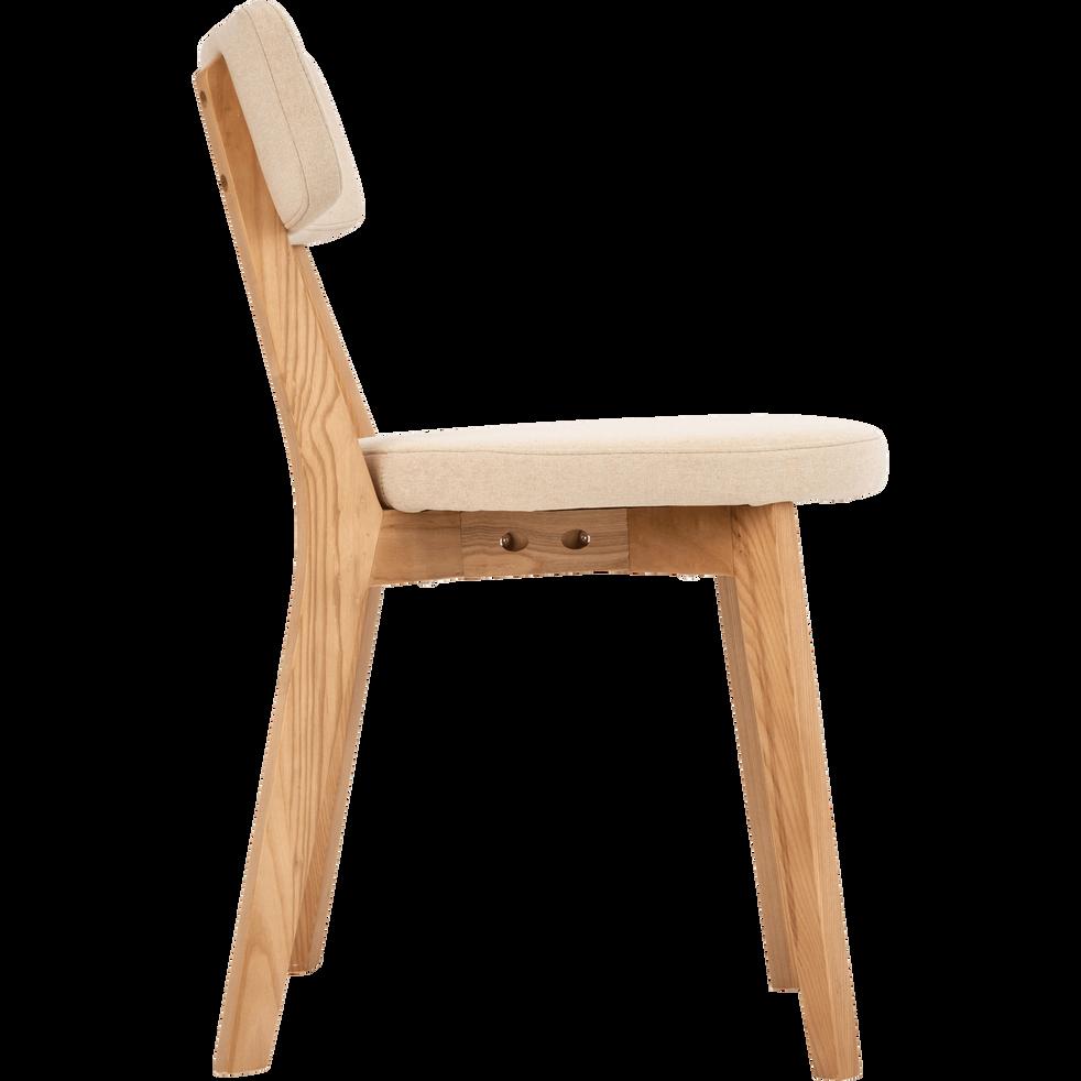 Chaise en tissu blanc nougat avec structure bois clair-AMEDEE