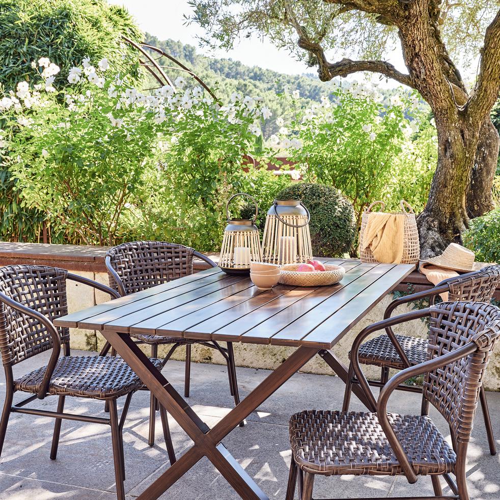 NATAL - Table de jardin en aluminium effet bois (4 à 6 places)