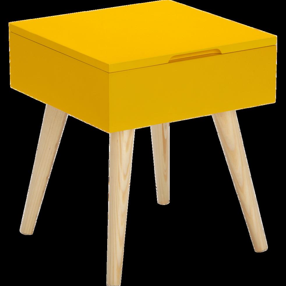 bout de canap carr jaune avec coffre de rangement rexxar bouts de canap alinea. Black Bedroom Furniture Sets. Home Design Ideas