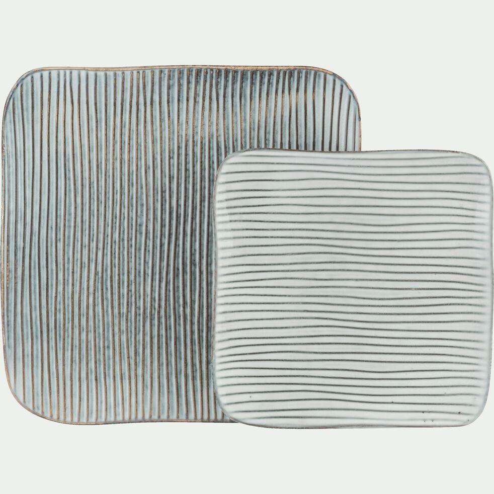 Assiette plate en grès grise effet lignes texturées D27cm-LARGO