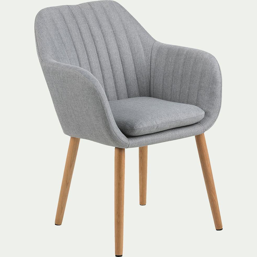 Chaise capitonnée en tissu gris clair avec accoudoirs-SHELL