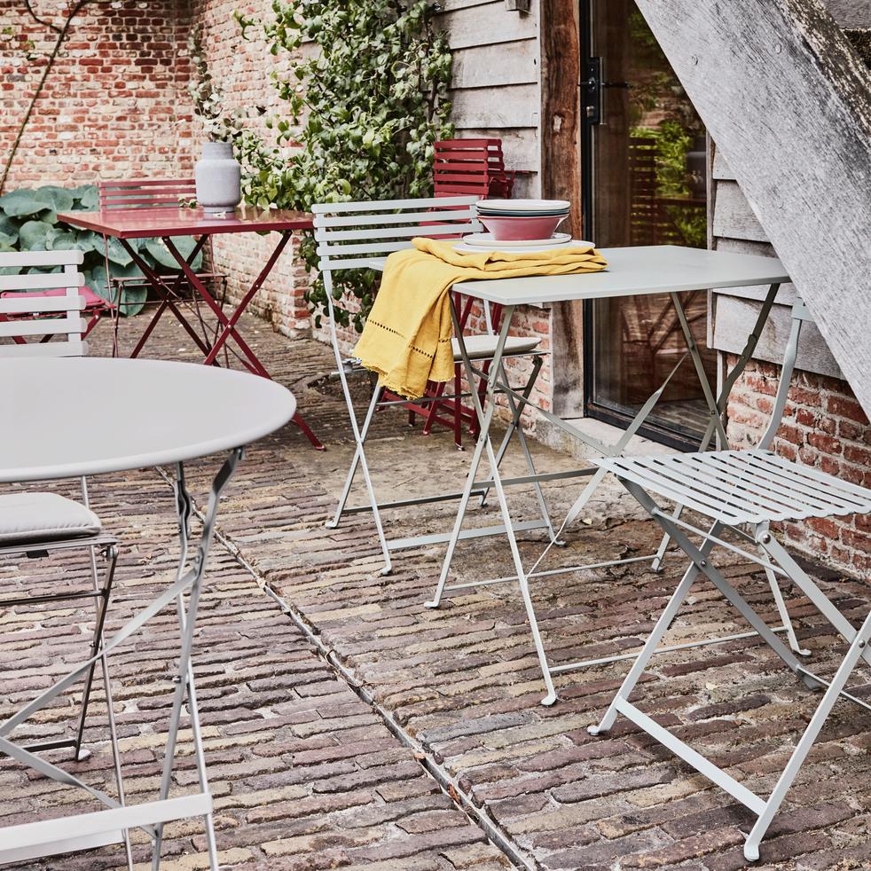 Cervione - Table de jardin pliante rouge sumac L110cm (4 places)