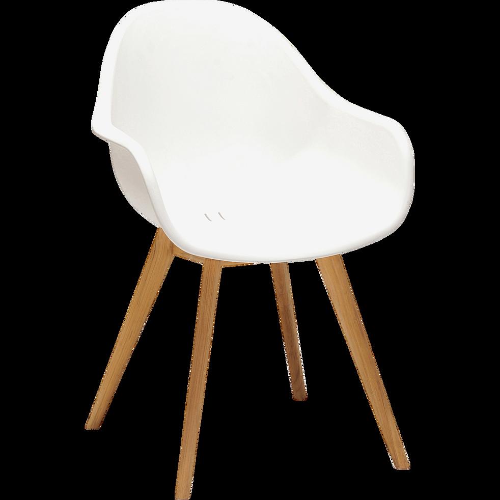 Chaise de jardin en résine blanche et eucalyptus-COLOMBA
