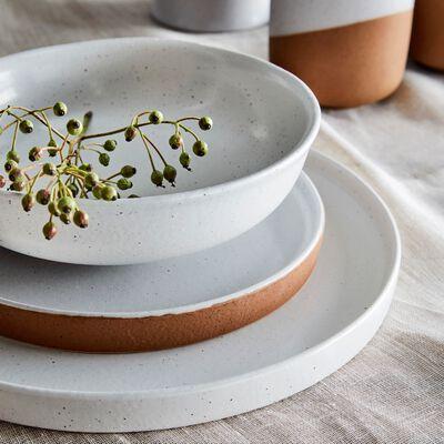 Assiette plate en faïence blanche D27cm-TUP