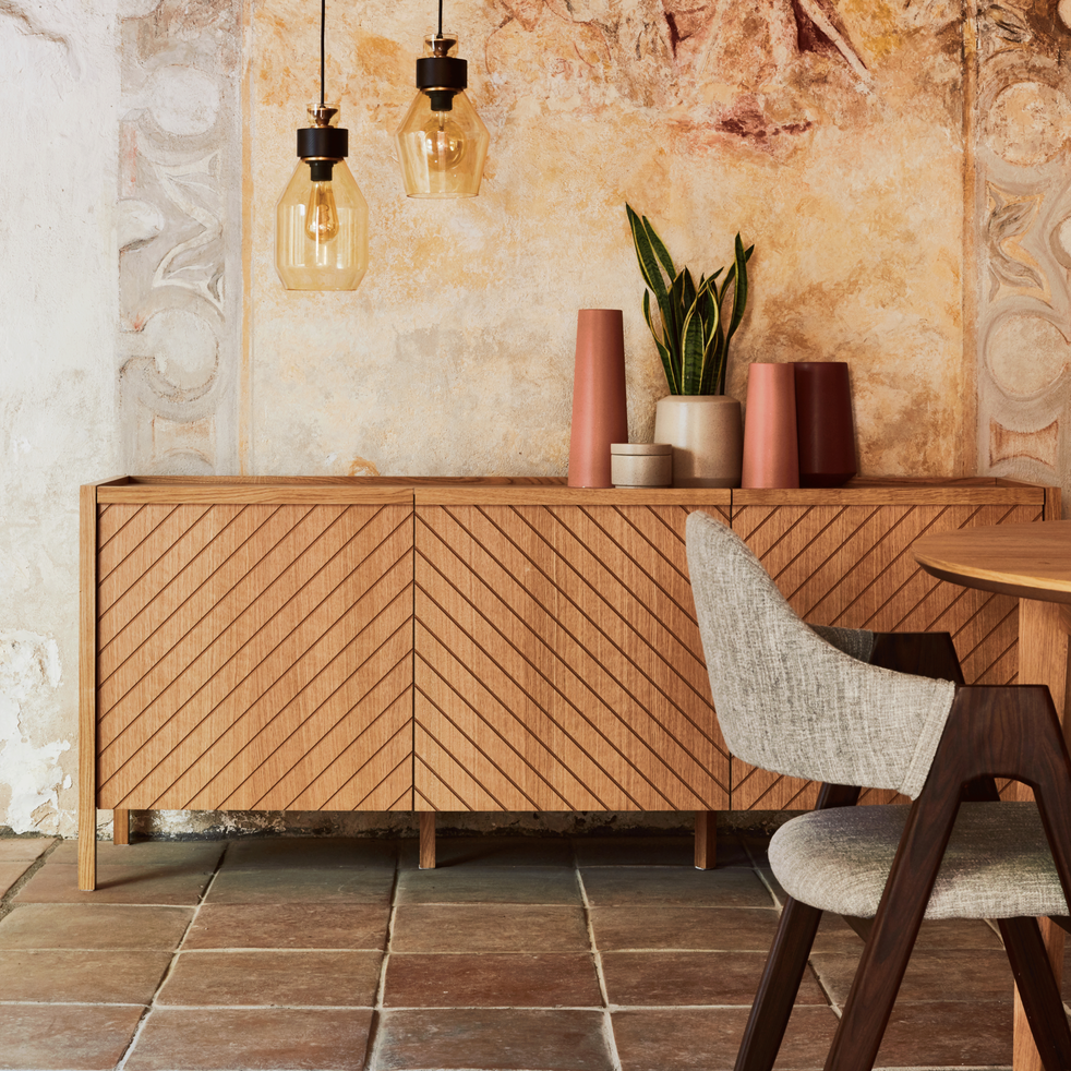 buffet bas plaqu ch ne 3 portes oscillo buffets alinea. Black Bedroom Furniture Sets. Home Design Ideas