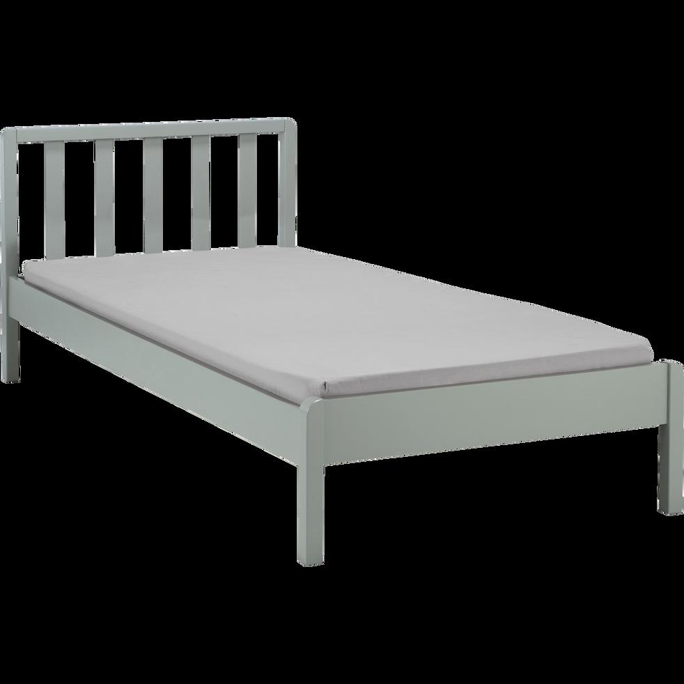 lit 1 place en bois avec t te de lit barreaux vert olivier 90x200 cm jaume 90x200 cm. Black Bedroom Furniture Sets. Home Design Ideas