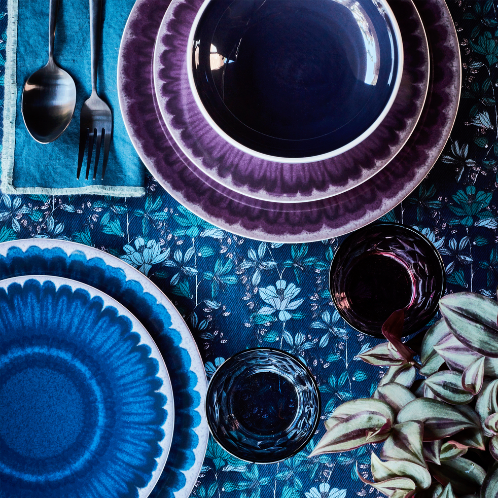 Assiette plate en grès violet D26.5cm-COROLLE