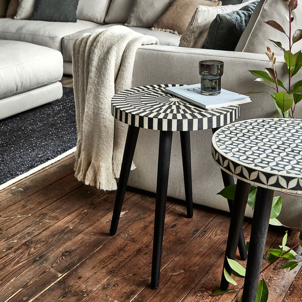 Bout de canapé rond en résine et bois de sheesham motif marrelo-LANTON