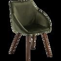 Chaise en velours vert cèdre pieds effet noyer avec accoudoirs-NOELIE