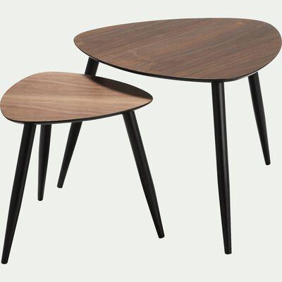 Ensemble de 2 tables basses triangulaires plaquées noyer-REYNO