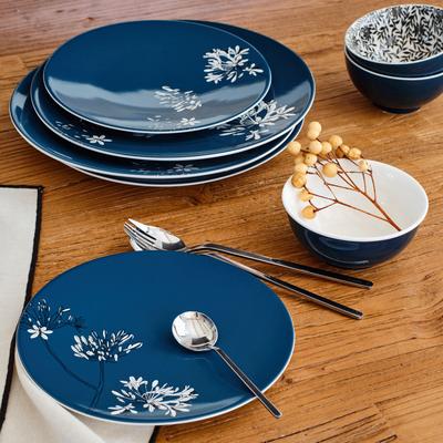 Assiette plate en porcelaine bleu figuerolles décorée D27cm-AGAPANTHE