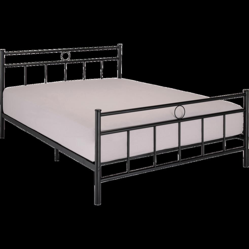 lit 2 places avec t te de lit en m tal noir 140x190 cm mary 140x190 cm lits 2 places. Black Bedroom Furniture Sets. Home Design Ideas