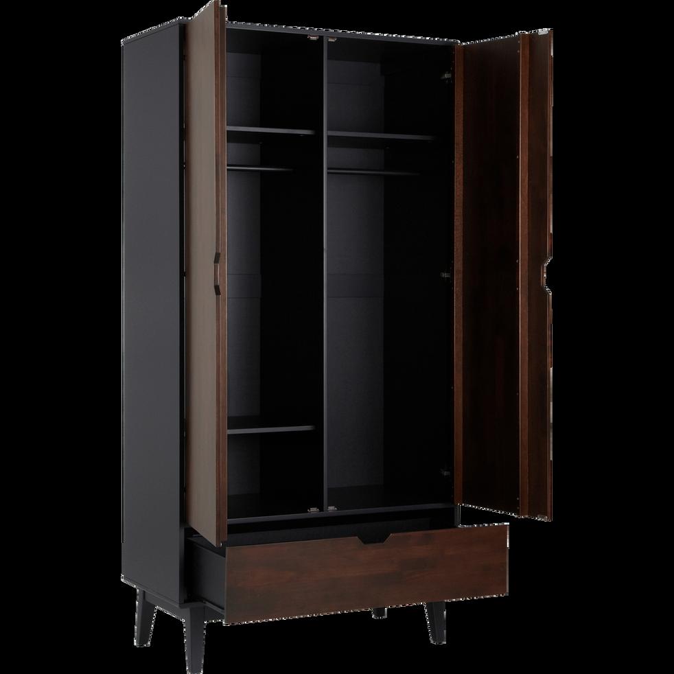 armoire 2 portes battantes et 1 tiroir en h v a massif takeo armoires alinea. Black Bedroom Furniture Sets. Home Design Ideas