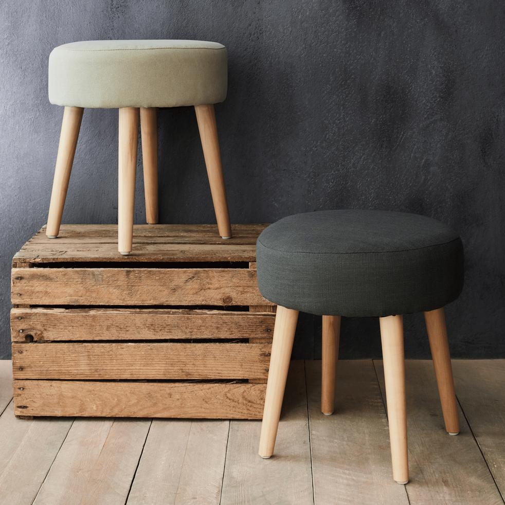 pouf en tissu gris plume poufs et repose pieds alinea. Black Bedroom Furniture Sets. Home Design Ideas