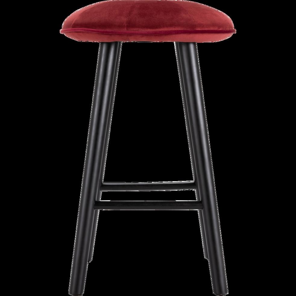 tabouret plan de travail en velours rouge sumac h66cm. Black Bedroom Furniture Sets. Home Design Ideas
