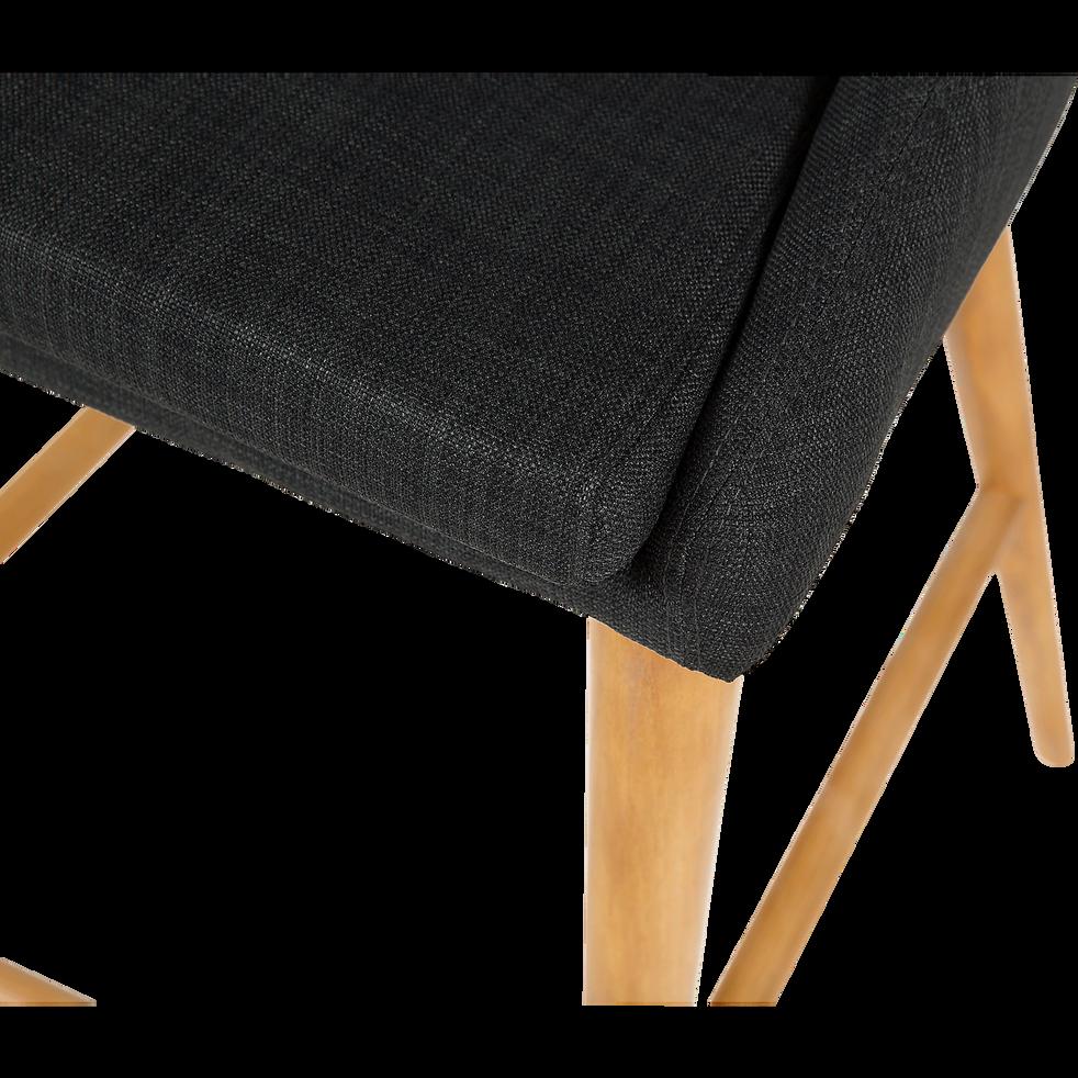 chaise hauteur plan de travail en tissu gris fonc pieds bois h66cm abby tabourets fixes. Black Bedroom Furniture Sets. Home Design Ideas