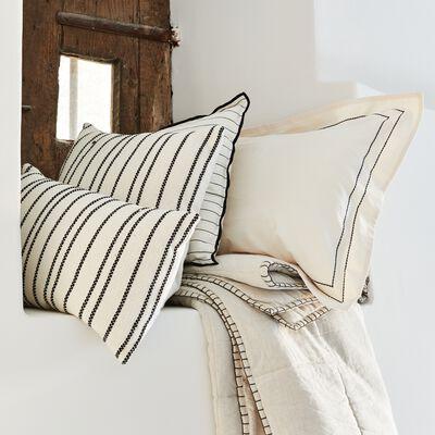 Coussin à rayures brodées en coton - noir et blanc 45x45cm-BADIANE
