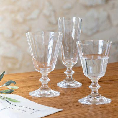 Service de verres de table en cristallin