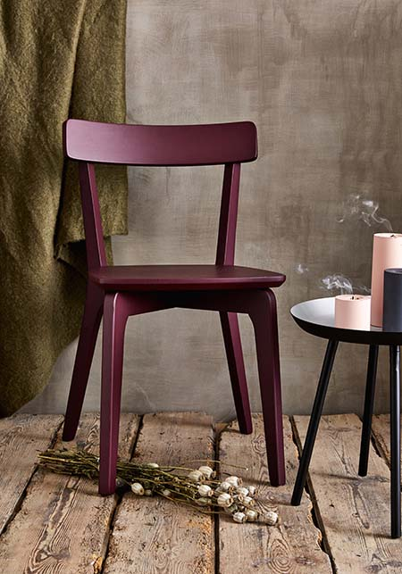 chaise suzie en bois rouge