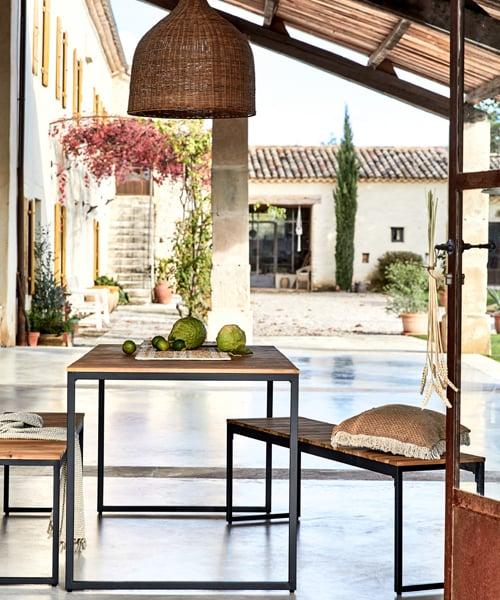 table de jardin en métal et bois